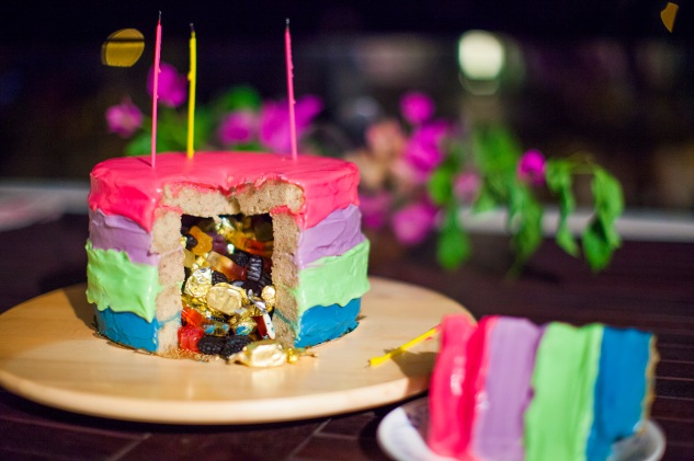 cake & wildflour | omg piñata cake