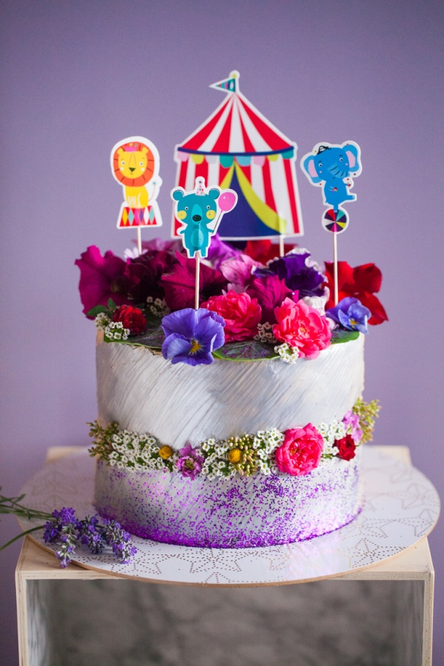 Cake & Wildflour | A Spring Circus Cake 1